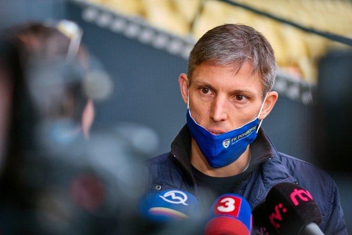 Ilustračný obrázok k článku Pohronie predstavilo nového trénera: Klub avizuje aj vstup zahraničného investora
