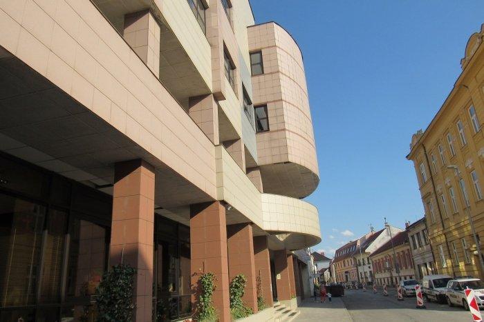 Ilustračný obrázok k článku Koronavírus v Prešove: Mestský úrad kvôli výskytu ochorenia museli zatvoriť