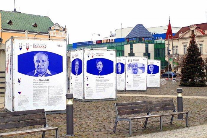 Ilustračný obrázok k článku Silné príbehy priamo na ulici: Do Šale zavítalo  30 rokov slobody, FOTO