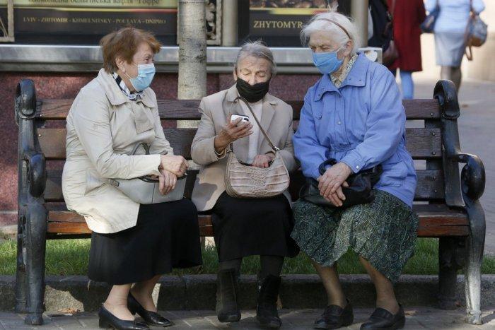 Ilustračný obrázok k článku V župných zariadeniach sociálnych služieb budú cez Vianoce povolené návštevy