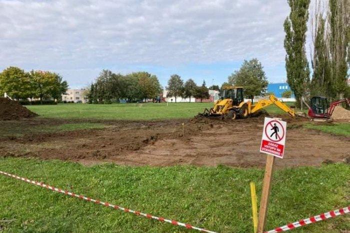 Ilustračný obrázok k článku Sen sa stáva skutočnosťou: V Topoľčanoch začali budovať pumptrackovú dráhu