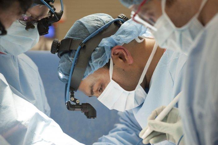 Ilustračný obrázok k článku Pandémia v ružomberskej nemocnici najviac zasiahla chirurgické odbory: Koľko sa čaká na kĺb?