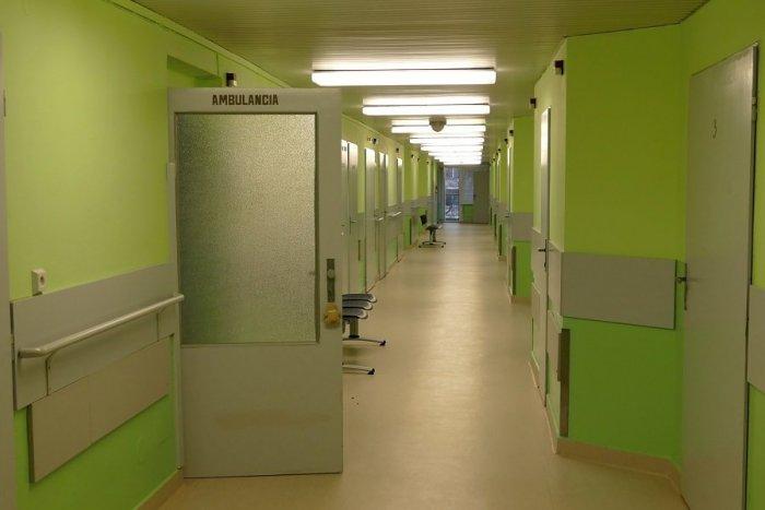 Ilustračný obrázok k článku Nemocnica v Žiline bojuje s výpadkom zdravotníkov: V karanténe je 120 pracovníkov