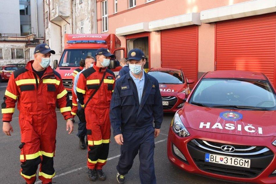 Ilustračný obrázok k článku FOTO: Hasiči sa z Bratislavy presúvajú na ORAVU. Pomôžu pri plošnom testovaní