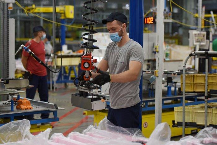 Ilustračný obrázok k článku Rázny krok trnavskej automobilky: Zastavuje výrobu, čo je dôvodom?