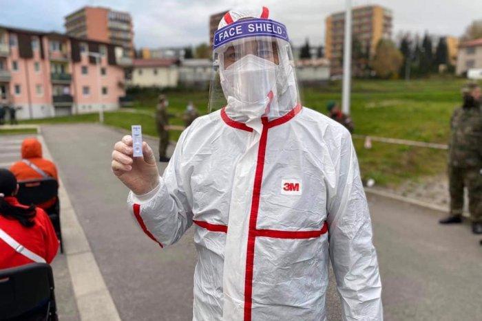 Ilustračný obrázok k článku SPOZNALI by ste ho? Matovič sa navliekol do ochranného obleku! FOTO