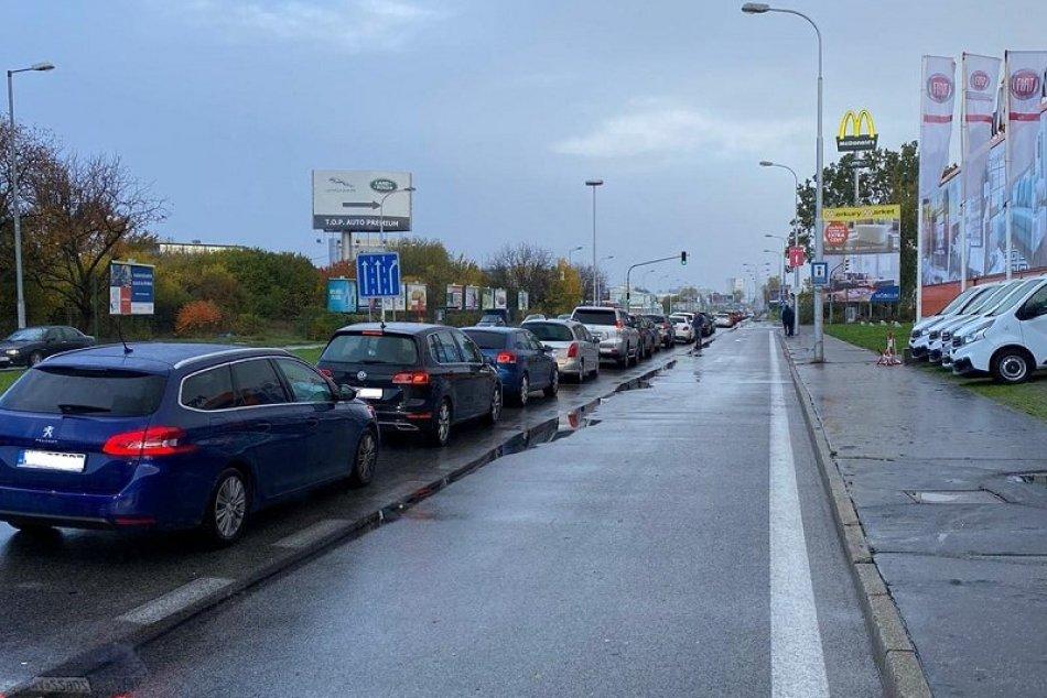 Ilustračný obrázok k článku POZOR! Kvôli drive-in testovaniu odklonili trasy viacerých liniek MHD