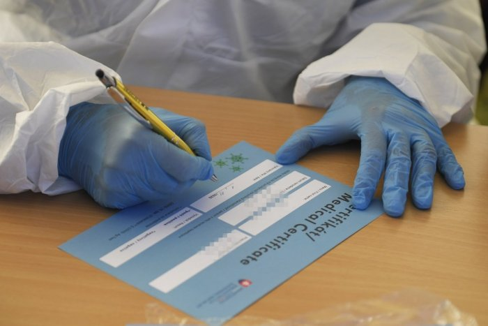 Ilustračný obrázok k článku Na modré certifikáty po testovaní zabudnite: Vo Fiľakove dostanete niečo iné
