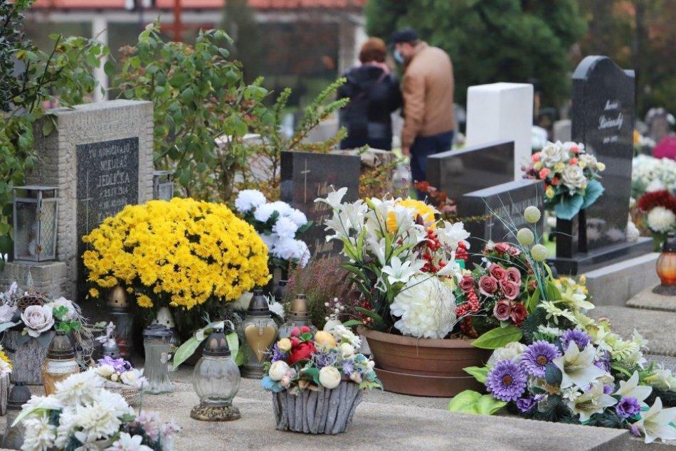 Ilustračný obrázok k článku V Očovej prebieha veľká rekonštrukcia: Práce narušia pokoj na miestnom cintoríne