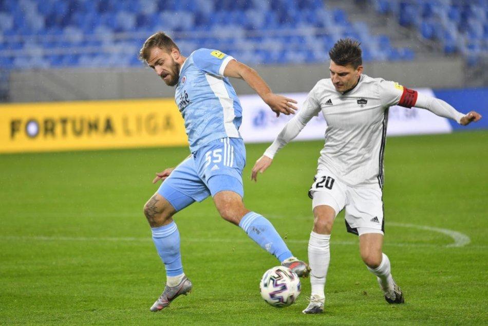 Ilustračný obrázok k článku Nitra sa postarala o prekvapenie kola: Gólom Mustafiča porazila Slovan!