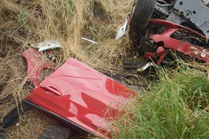 Ilustračný obrázok k článku Pri Brezne skončilo auto mimo cesty: Na mieste je zranená osoba