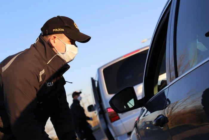 Ilustračný obrázok k článku Rázne opatrenia na hraniciach: Terorista je stále na úteku
