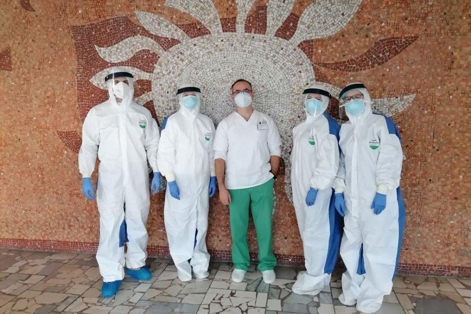 Ilustračný obrázok k článku Rožňavská nemocnica otestovala takmer 1800 ľudí, pomohli aj študenti: FOTO