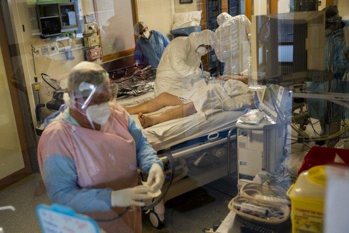 Ilustračný obrázok k článku COVID oddelenie v Žiari je plné: Jeden človek je na pľúcnej ventilácii