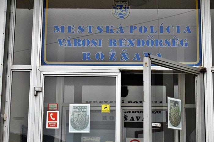 Ilustračný obrázok k článku V Rožňave úradujú tajomní vandali: Zostáva po nich spúšť, mestskí prosia o pomoc