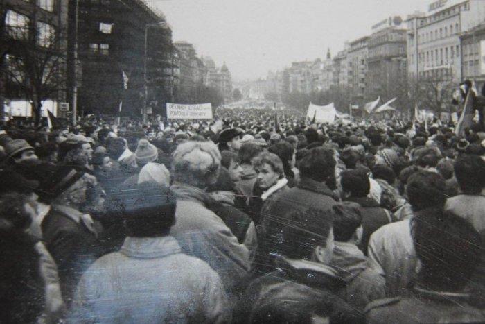 Ilustračný obrázok k článku Nežná revolúcia v Michalovciach: Pripomeňme si zlomové okamihy