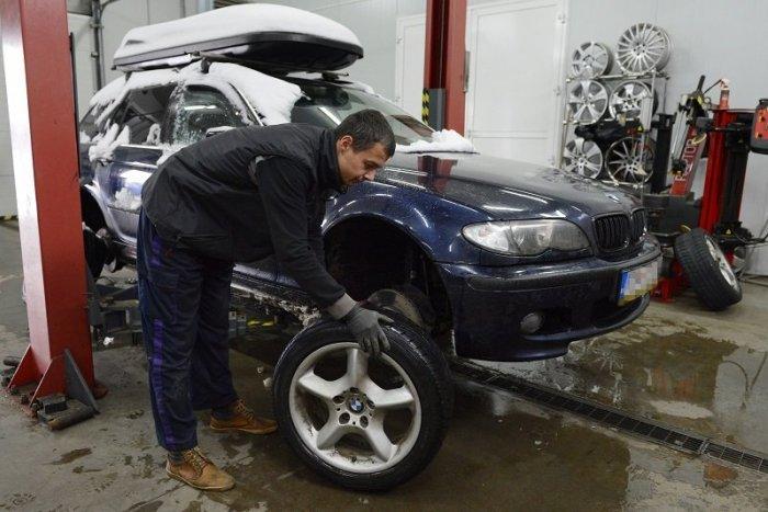 Ilustračný obrázok k článku Veľký TEST zimných pneumatík prekvapí! Aj lacné môžu byť dobré