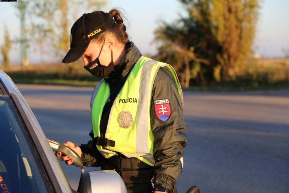 Ilustračný obrázok k článku Divoký víkend v Nitrianskom kraji: Až šesť vodičov nafúkalo nad jedno promile