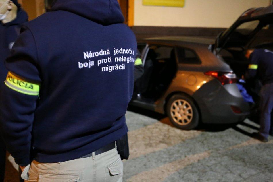 Ilustračný obrázok k článku Policajné ZÁBERY: Na viacerých miestach v Žiline zasahuje špeciálna jednotka