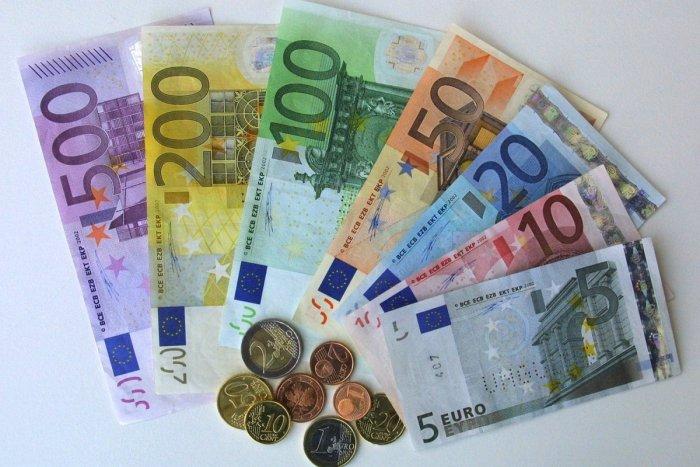 Ilustračný obrázok k článku Prievidza zverejnila ZOZNAM daňových dlžníkov: Kto má najväčšiu sekeru?