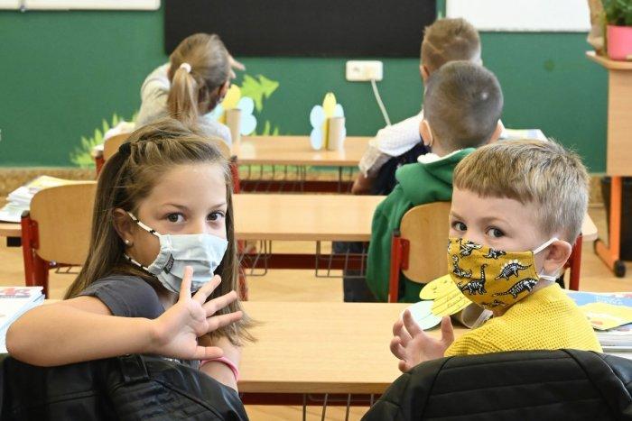 Ilustračný obrázok k článku Minister Gröhling to nevzdáva: Verí, že TOTO bude dátum návratu detí do škôl