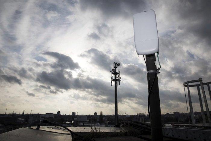 """Ilustračný obrázok k článku Štát je """"bohatší"""" o 100 miliónov eur: Mobilní operátori si vysúťažili frekvencie pre 5G"""