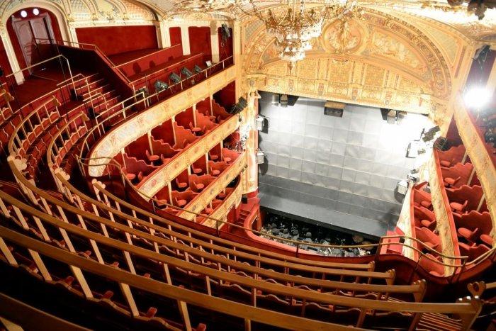 Ilustračný obrázok k článku December je v znamení opery. Užijeme si ju na javisku aj online
