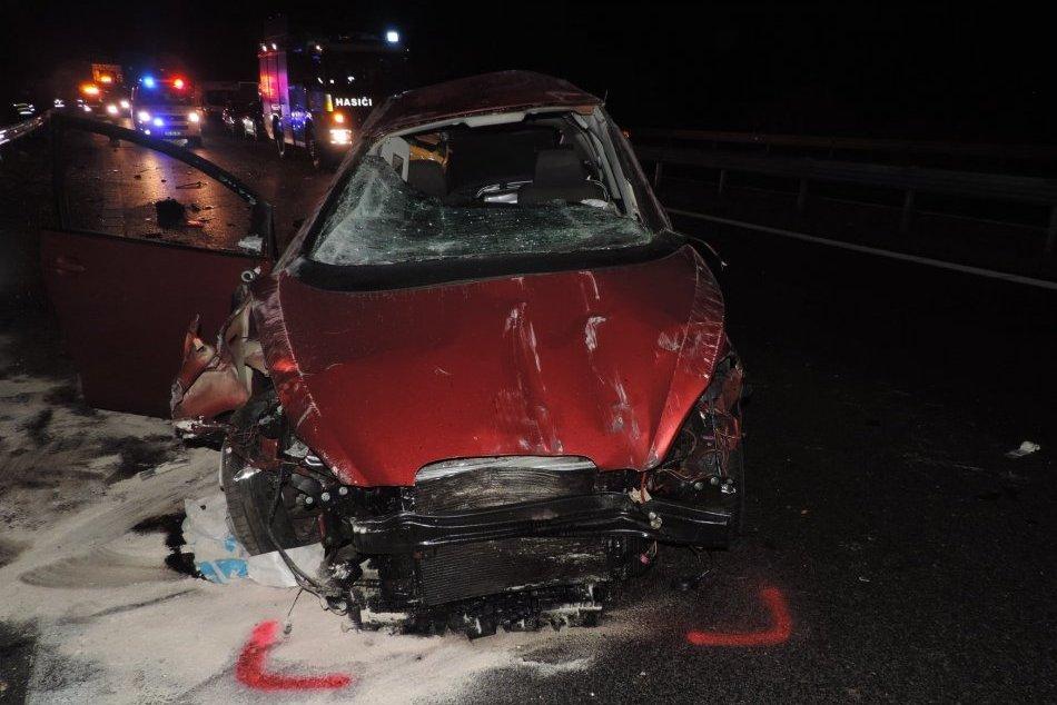 Ilustračný obrázok k článku Tragická nehoda pri Žiari nad Hronom: Cesta je uzavretá, na mieste zasahujú hasiči