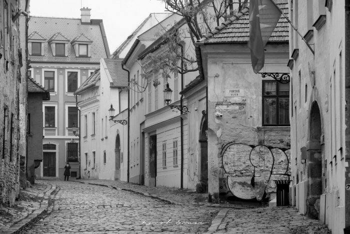 Ilustračný obrázok k článku Tip na potulky mestom plné zimomriavok: Spoznajte bratislavské uličky, v ktorých STRAŠÍ!