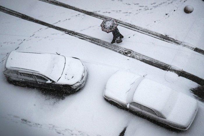Ilustračný obrázok k článku Stihli ste už prezuť gumy? Brezniansky okres čelí VÝSTRAHE pred snežením