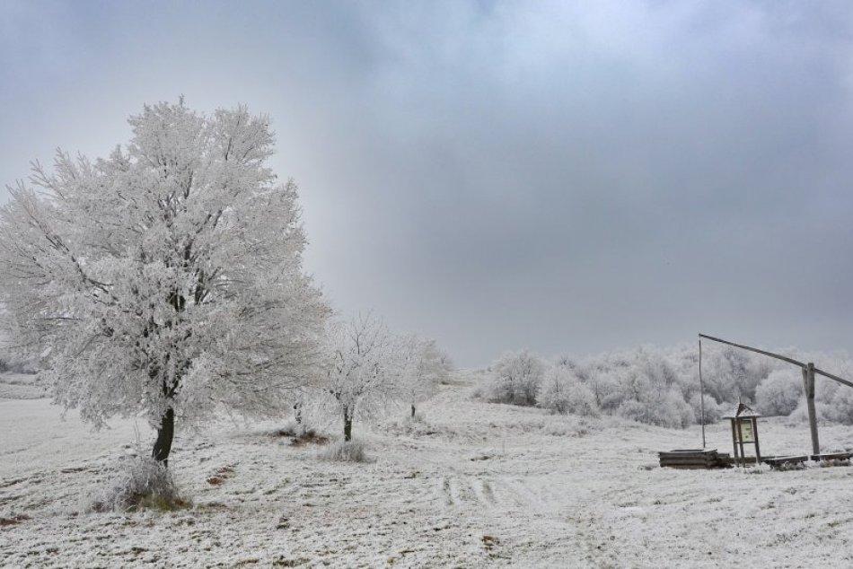 Ilustračný obrázok k článku Čakajú nás mrazivé noci, teplota môže klesnúť až na -16 stupňov Celzia