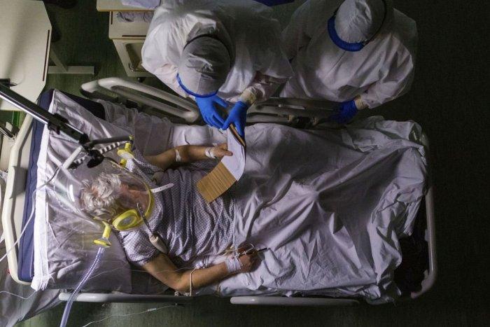 Ilustračný obrázok k článku Stovky zdravotníkov v karanténe: Ako funguje univerzitná nemocnica v ťažkej situácii?