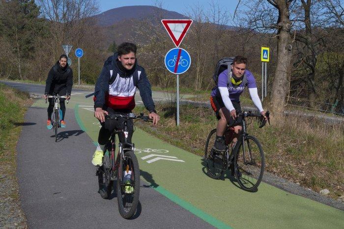 Ilustračný obrázok k článku Matúš Vallo: V novom roku zmiznú ďalšie billboardy a pribudnú cyklotrasy