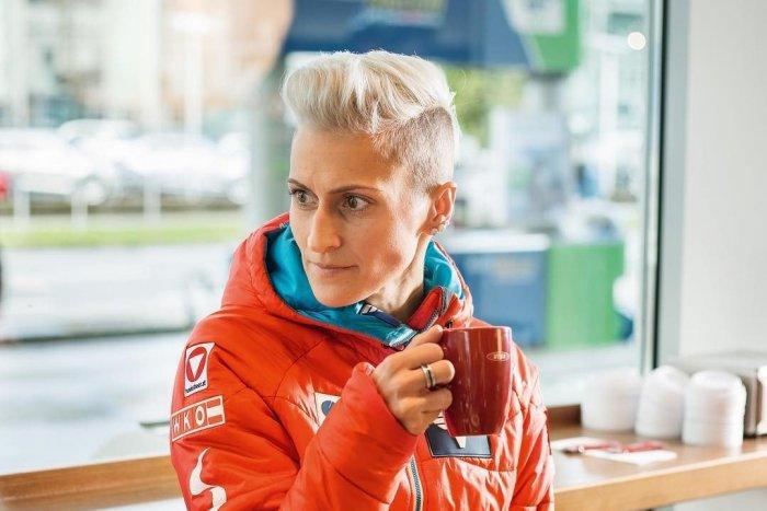 Ilustračný obrázok k článku Je to vôbec šport pre ŽENY? Pri tréningu si blondínka roztrhla SLEZINU! FOTO