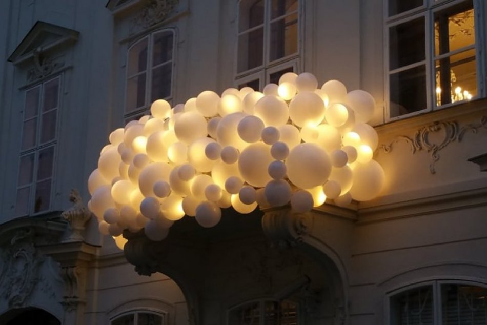 Ilustračný obrázok k článku FOTO: Prechádzka Bratislavou bude zážitkom! Vianočná Biela noc je plná žiarivých prekvapení