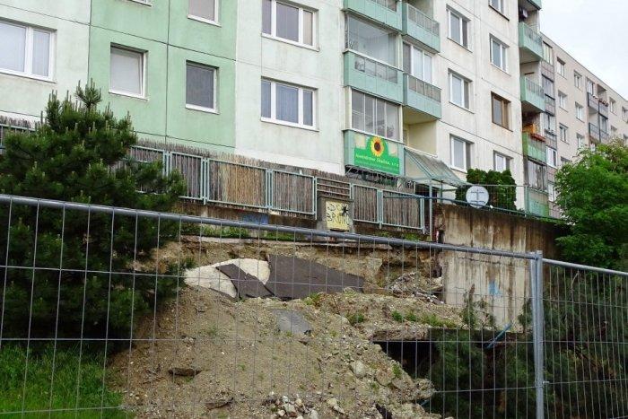 Ilustračný obrázok k článku Nebezpečný múr už nebude ohrozovať ľudí! Sanácia stála tisíce eur