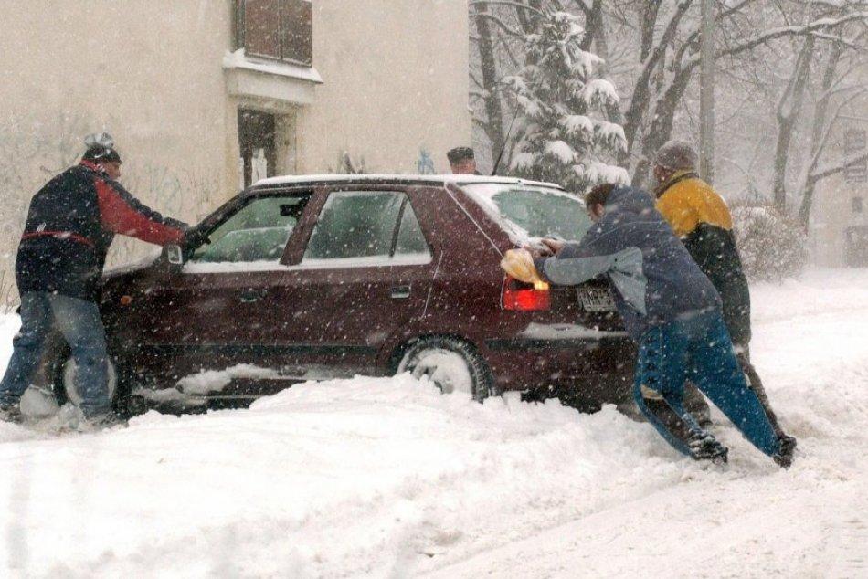 Ilustračný obrázok k článku Na Slovensko po vlne mrazov a studeného počasia prichádza sneženie, kde napadne najviac?