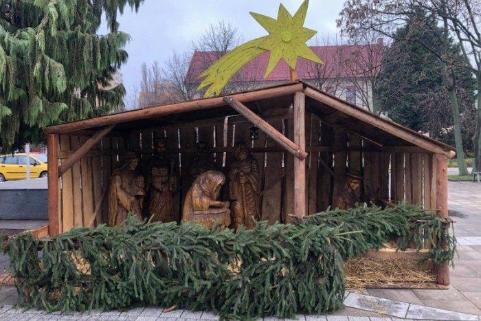 Ilustračný obrázok k článku A Vianoce sa môžu začať: V Šali pribudol aj obľúbený betlehem