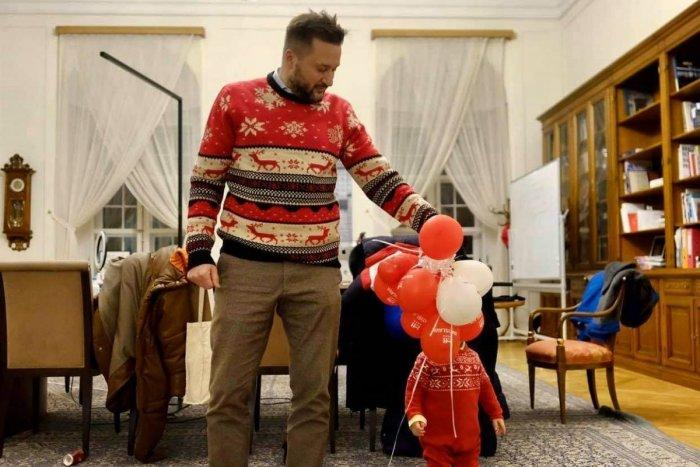 Ilustračný obrázok k článku Vianoce v rodine Matúša Valla: Je to čas zázrakov, ktoré sa s deťmi dajú prežívať