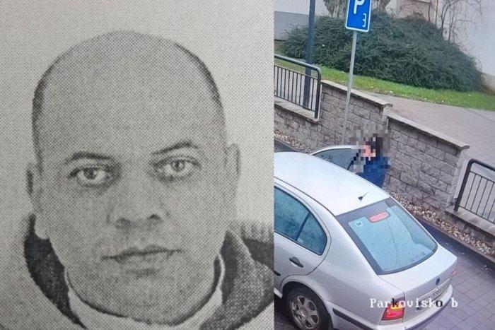 Ilustračný obrázok k článku TOHTO muža hľadá celé Slovensko! V aute mal chladnokrvne dobodať bývalú družku