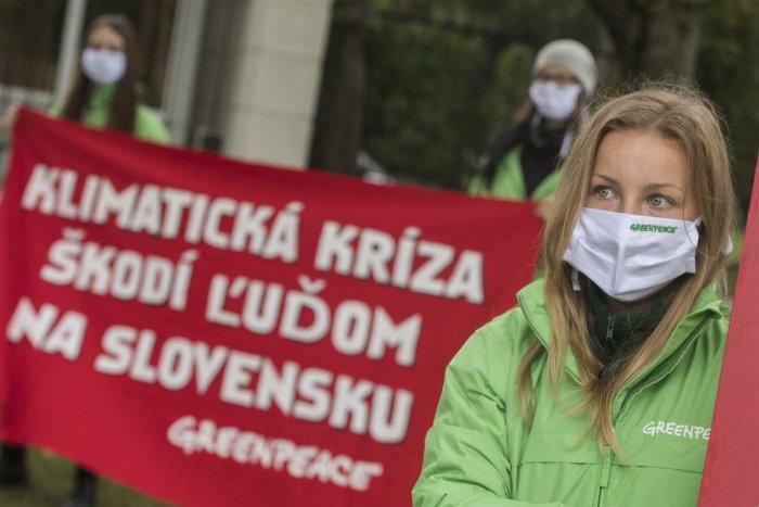 Ilustračný obrázok k článku Obyvatelia miest mimoriadne znečisťujú vodu a ovzdušie. Bratislava chystá opatrenia