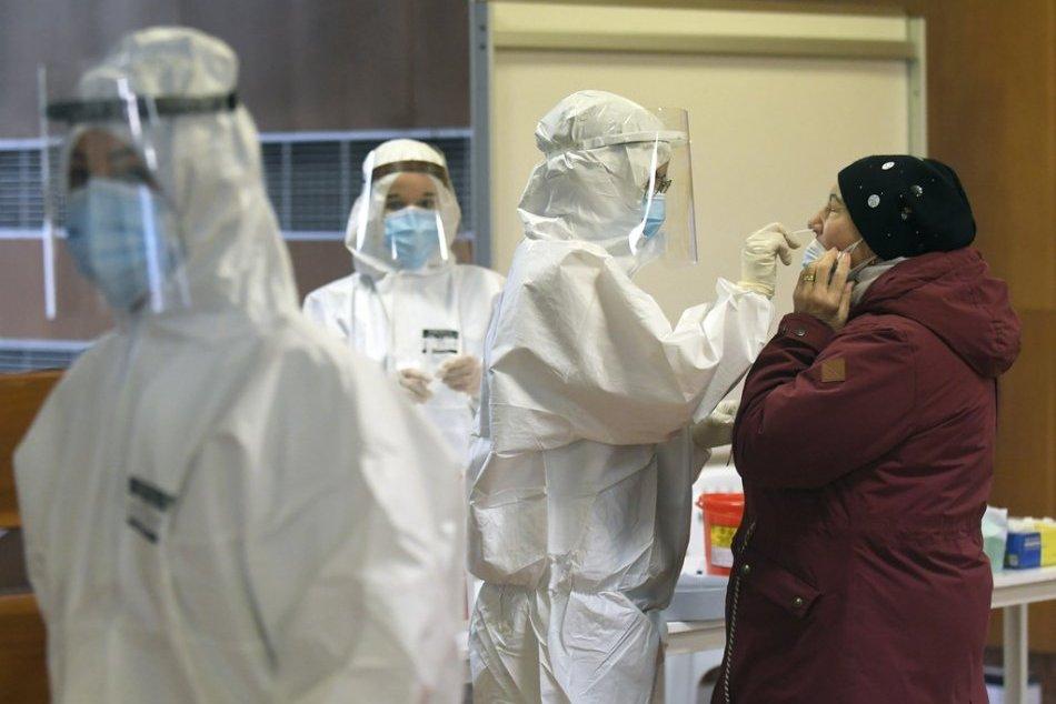 Ilustračný obrázok k článku Situácia je ZLÁ! Infektológ Jarčuška vyzýva Košičanov: Príďte sa otestovať!