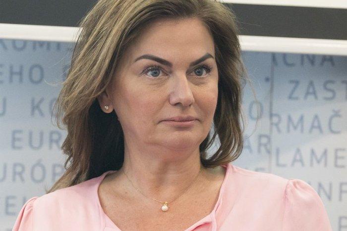 Ilustračný obrázok k článku Beňová je opäť v akcii proti Ficovi! Takto sa do neho pustila kvôli Kolíkovej