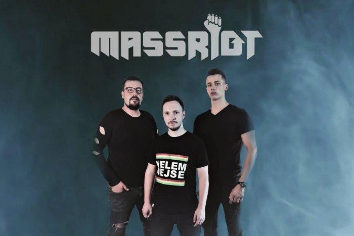 Ilustračný obrázok k článku Nový klip skupiny Massriot: Rok začali takýmto posolstvom, VIDEO