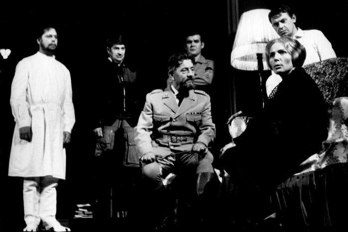 Ilustračný obrázok k článku Do neba odišla ďalšia osobnosť: Zomrel dlhoročný herec nitrianskeho divadla