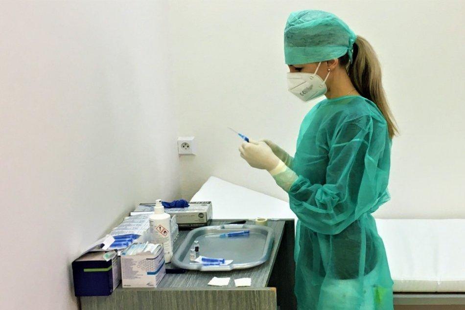 Ilustračný obrázok k článku Nemocnica v Prešove pokračuje v očkovaní: Celkový POČET už presiahol dve tisícky