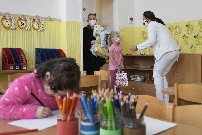 Ilustračný obrázok k článku Popradská radnica podáva pomocnú ruku zaneprázdneným rodičom: V piatok sa rozhodne o škôlkach