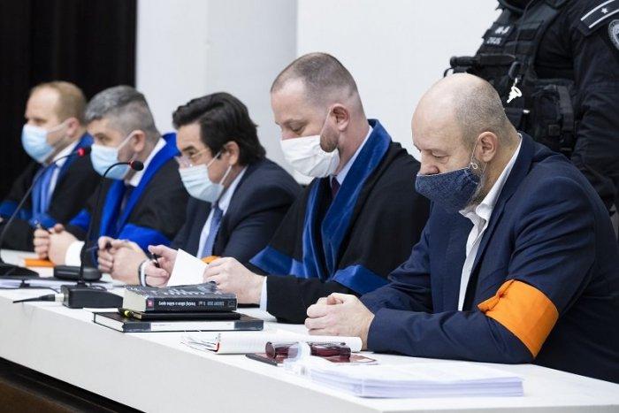 Ilustračný obrázok k článku VINNÍ! V kauze zmenky je definitívne rozhodnuté: Kočnera a Ruska odsúdili na 19 rokov väzenia!