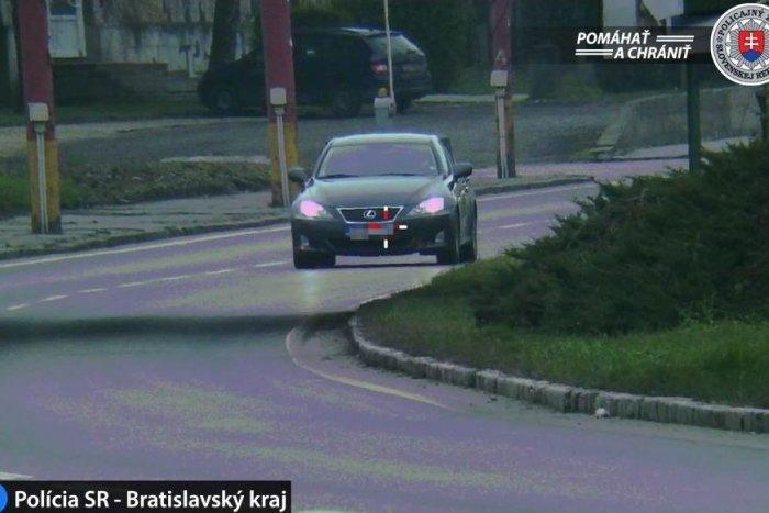 Ilustračný obrázok k článku Zmýlil si cestu s okruhom rely pretekov?! Vodičovi v meste namerali rýchlosť hodnú diaľnice