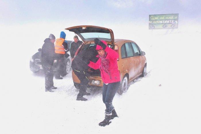 Ilustračný obrázok k článku V Považskej a okolí dávajte na cestách pozor: Pani ZIMA zrejme konečne prichádza